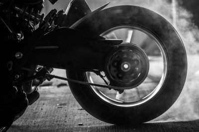 Tire Noise, motorcycle tire spinning